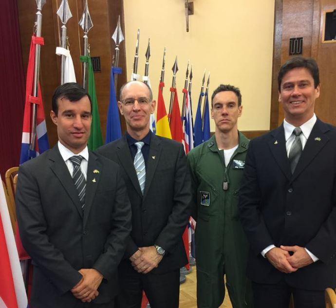 Brasil participa pela primeira vez de reunião dos usuários do caça Gripen em Praga