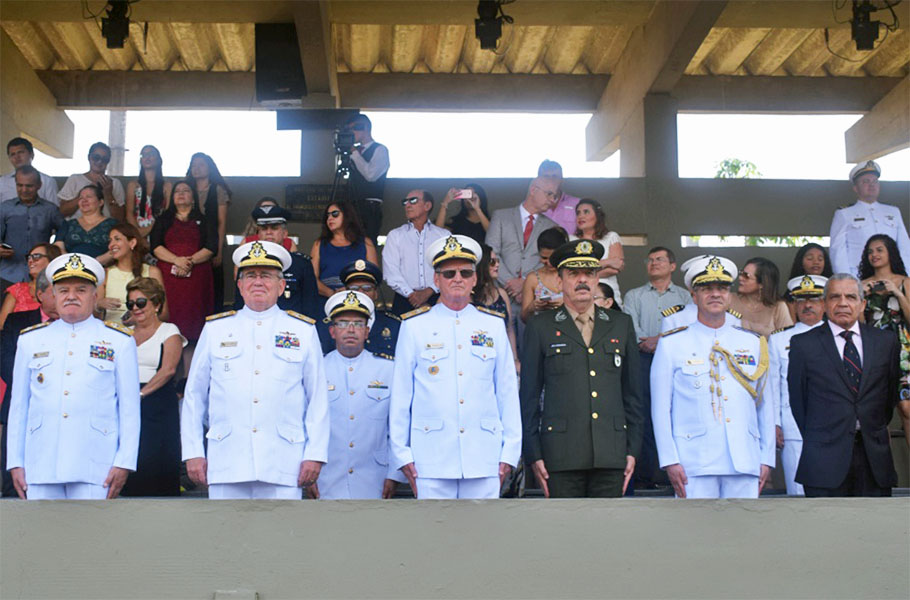 Centro de Instrução Almirante Braz de Aguiar realiza formatura de alunos da EFOMM