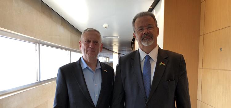 Na Jordânia, Jungmann se reúne com o secretário de Estado da Defesa dos Estados Unidos