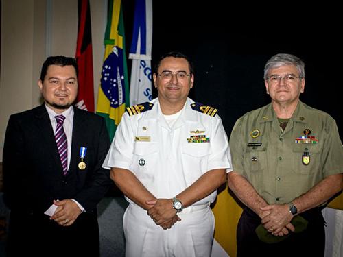 CPPB realiza cerimônia de imposição da Medalha Amigo da Marinha