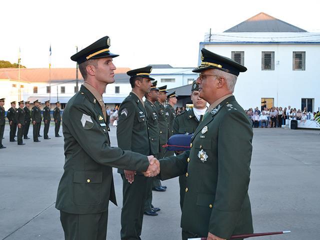 EASA entrega ao Exército Brasileiro mais 211 Sargentos Aperfeiçoados