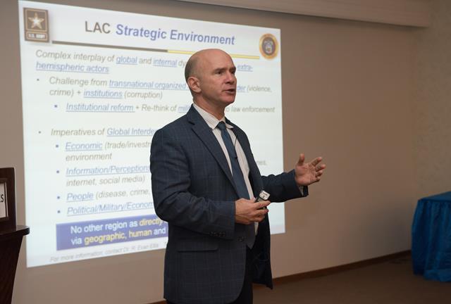 Pesquisadores e militares do Brasil e dos Estados Unidos realizam encontro de estudos estratégicos