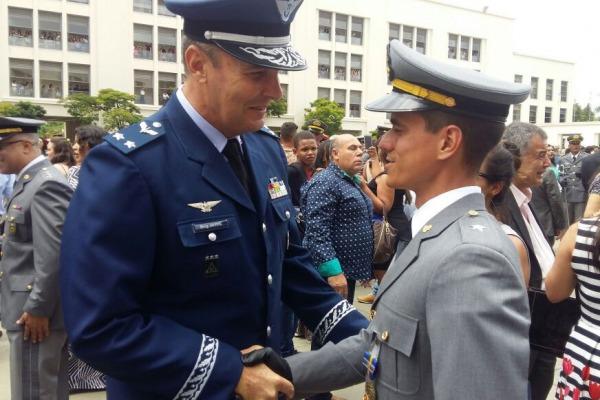 Primeiro colocado na Academia das Agulhas Negras foi soldado na Força Aérea Brasileira