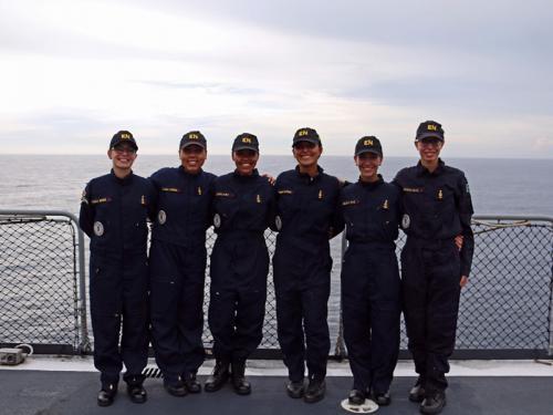 Aspirantes da Escola Naval participam da Operação Aspirantex 2018