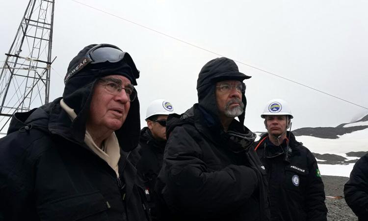 Ministro inspeciona obras da nova Estação Antártica Comandante Ferraz