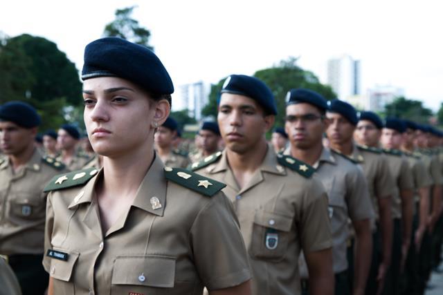 Maior Academia Militar da América Latina abre seus portões para a primeira turma de Cadetes com mulheres