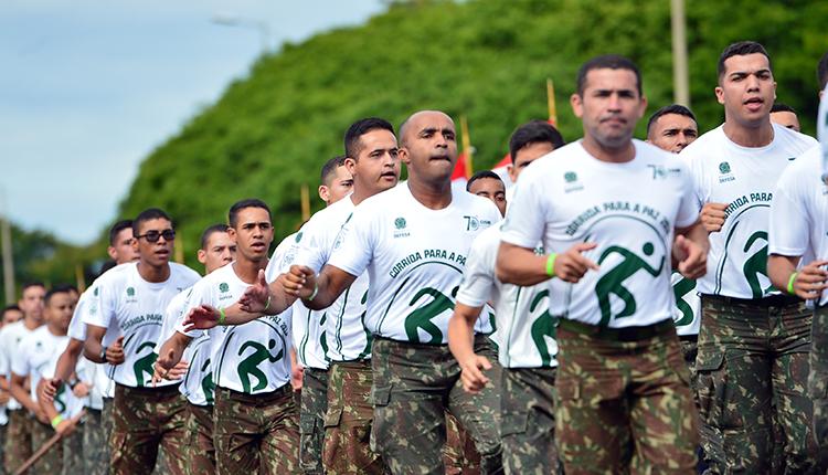Corrida para a Paz: evento do Esporte Militar reúne quase dez mil pessoas em Brasília