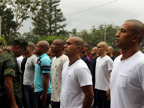Centro de Instrução e Adestramento de Brasília recebe nova turma do curso de fuzileiros navais