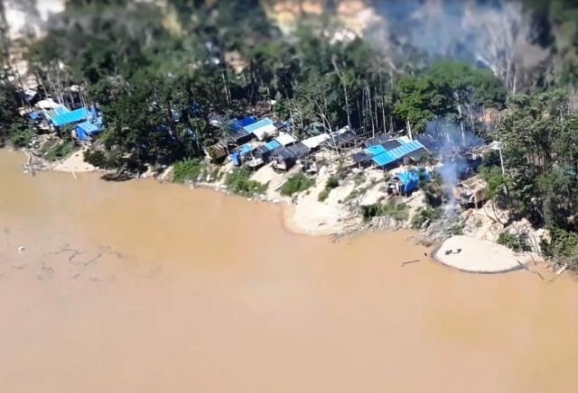 Operação Escudo destrói garimpo ilegal encontrado na Selva Amazônica e apreende materiais e equipamentos