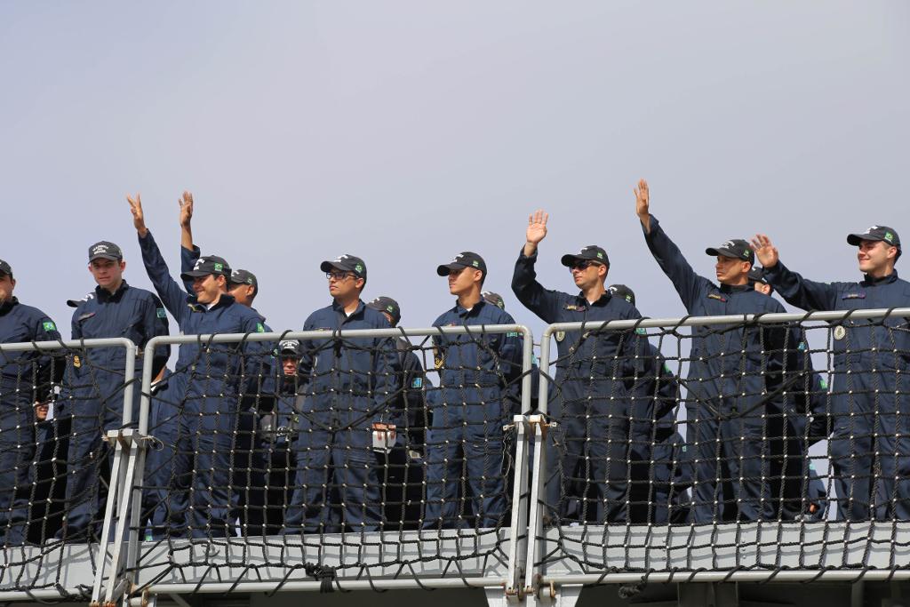 Duzentos militares brasileiros embarcam para missão da ONU no Líbano