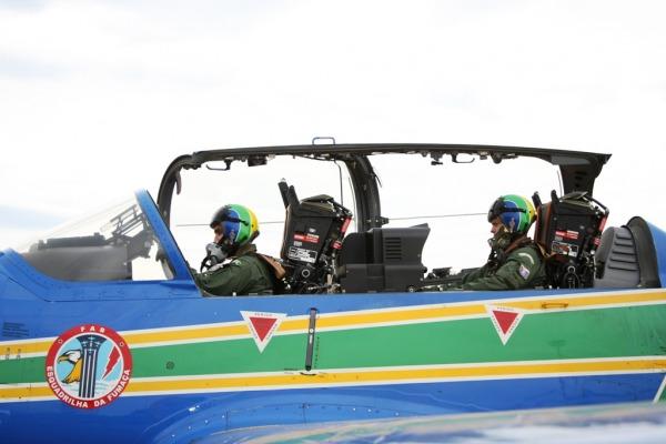 Pilotos fazem readaptação de voo no A-29