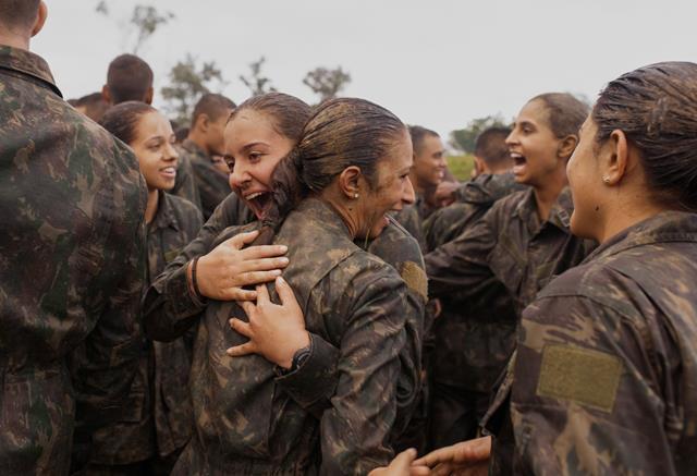 Pioneiras da Linha de Ensino Militar Bélico do Exército Brasileiro realizam período de adaptação na AMAN