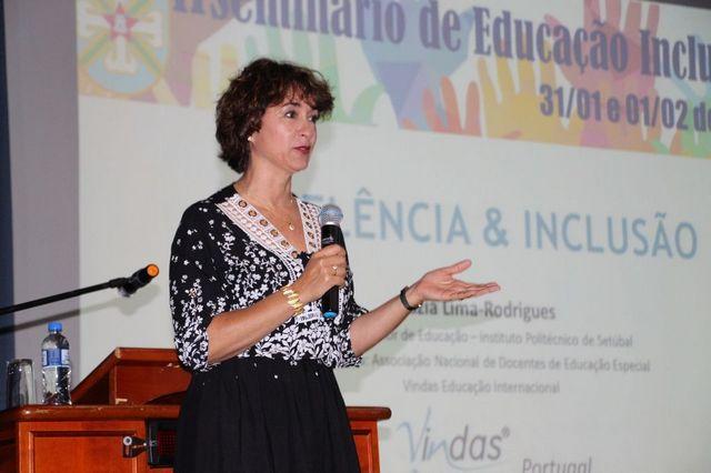 Seminário de Educação Inclusiva amplia capacitação para atendimento a alunos com necessidades especiais