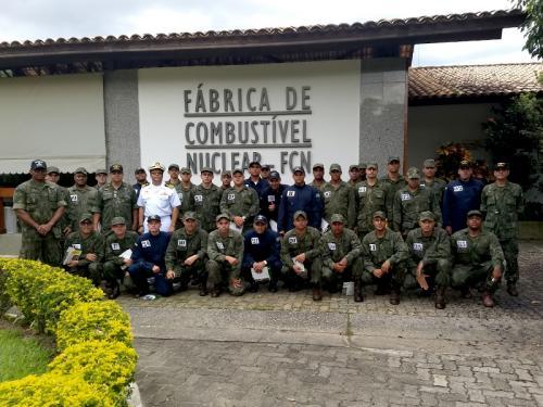 Alunos do Centro de Adestramento Almirante Marques de Leão visitam as Indústrias Nucleares do Brasil