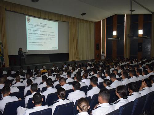 CIABA realiza aula inaugural a alunos da EFOMM