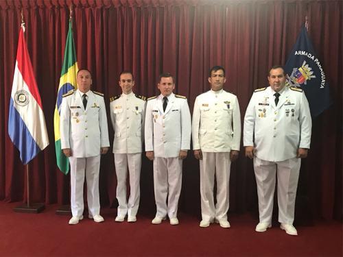 Militares brasileiros são condecorados no Paraguai