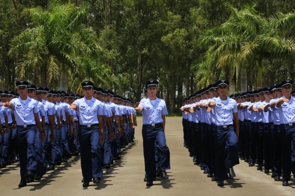 FAB lança edital para Curso de Formação de Oficiais Aviadores, Intendentes e de Infantaria