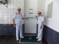 Vice-Almirante Edervaldo e diretor do HNBe na inauguração do espaço de fisioterapia