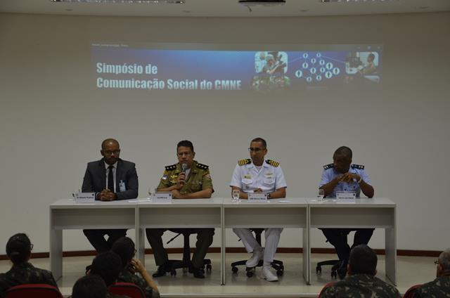 Governo de Pernambuco, Polícia Militar, Marinha e Força Aérea Brasileira palestram no segundo dia do Simpósio de Comunicação Social