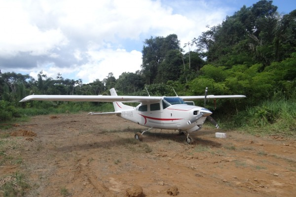 Aeronaves da FAB identificam avião com cocaína no Pará