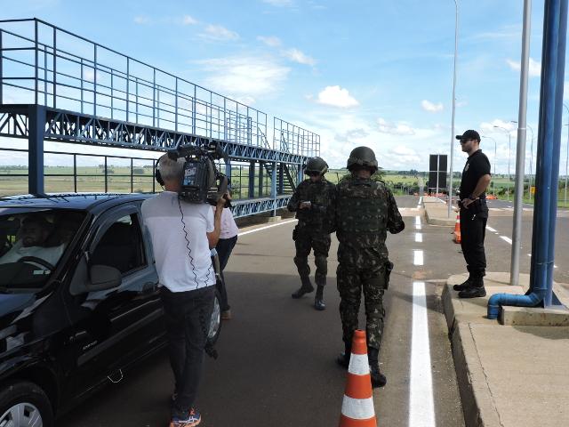 GloboNews faz Reportagem sobre a atuação do Exército na Faixa de Fronteira, na área do 17º Regimento de Cavalaria Mecanizado