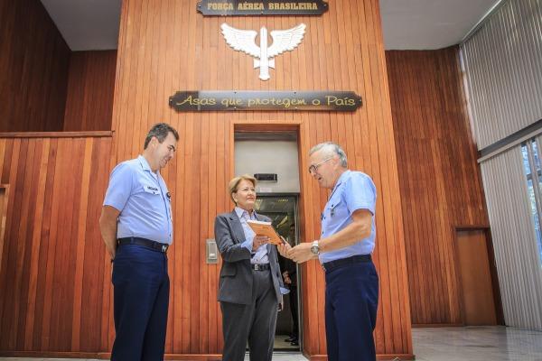 """""""Gripen será uma revolução"""", diz Senadora Ana Amélia em visita à FAB"""