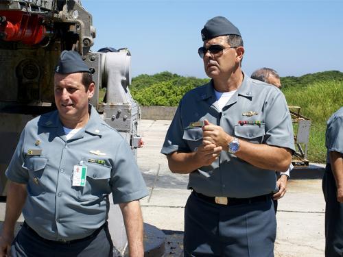 Diretor Industrial da Marinha realiza visita técnica à raia de tiro da Marambaia (RJ)