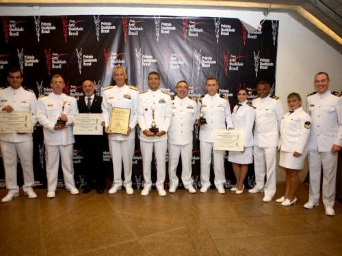 Marinha do Brasil recebe prêmio por excelência em qualidade