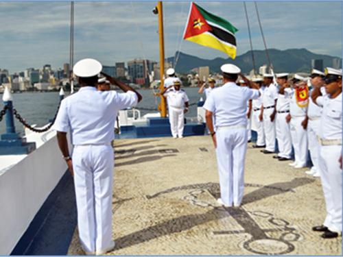 Comandante da Marinha de Moçambique visita o CIAW