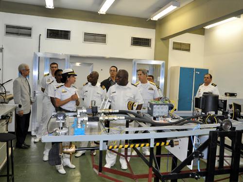 Comandante da Marinha de Guerra de Moçambique visita o CIAA