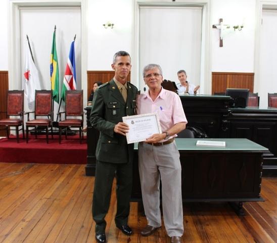 """Militar recebe """"Moçao de Aplauso"""" da Câmara Municipal de Juiz de Fora"""