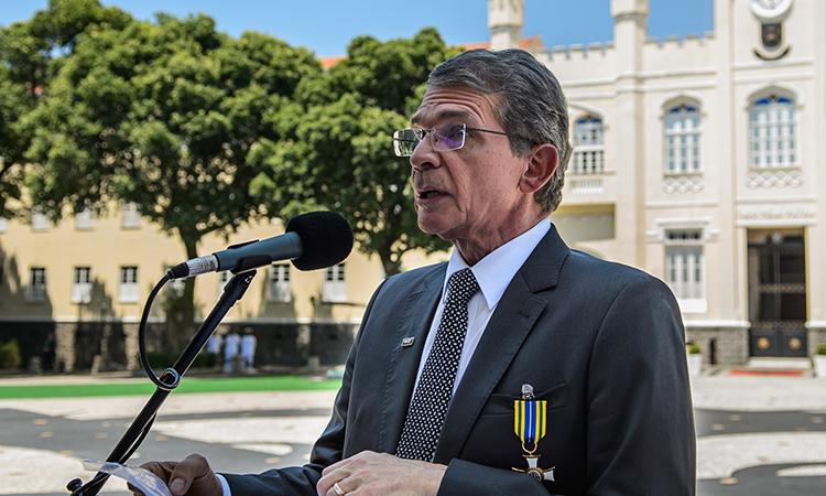 Defesa condecora civis e militares com a Medalha Mérito Desportivo Militar