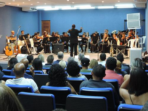 """Orquestra """"Ondas Musicais"""" realiza apresentação com banda Art & Bossa na sede das VCB–Natal"""
