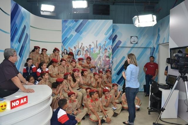 Visita dos Alunos do 7º Ano do Colégio Militar de Campo Grande à emissora de Televisão SBT – MS