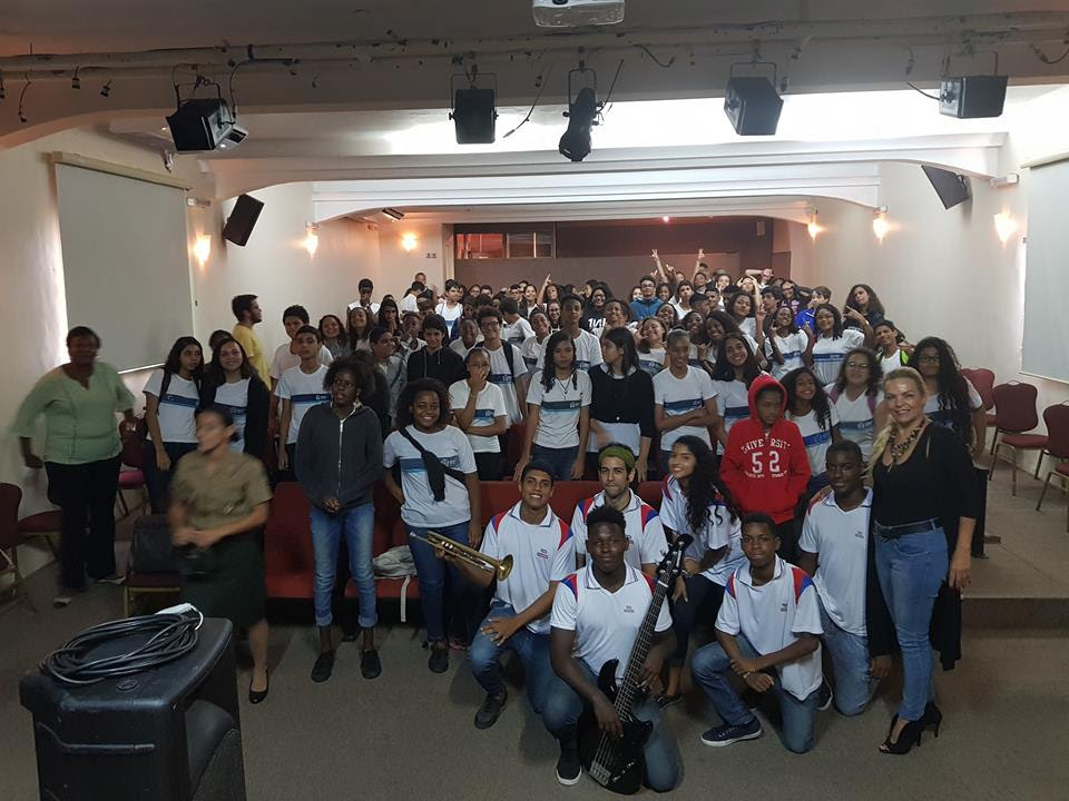 Sexteto da Orquestra Violões do Forte de Copacabana se apresentaram no Rio de Janeiro