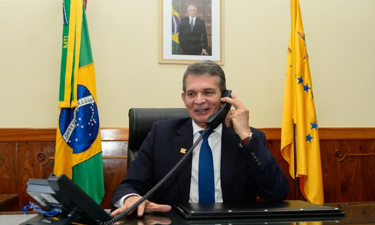 Brasil e Estados Unidos reforçam relação de confiança mútua em primeira conversa