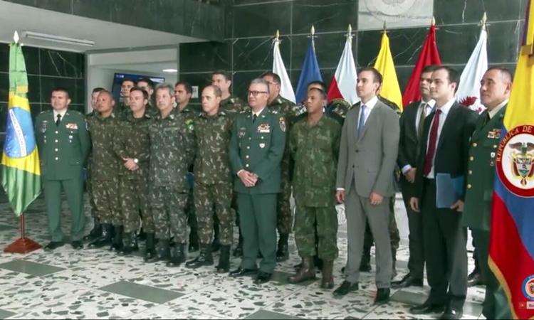 Militares brasileiros recebem cumprimentos do presidente da Colômbia pelo apoio em ações de Desminagem Humanitária