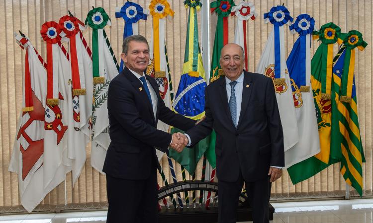 Segurança na fronteira é tema de encontro entre ministro da Defesa e senador Pedro Chaves