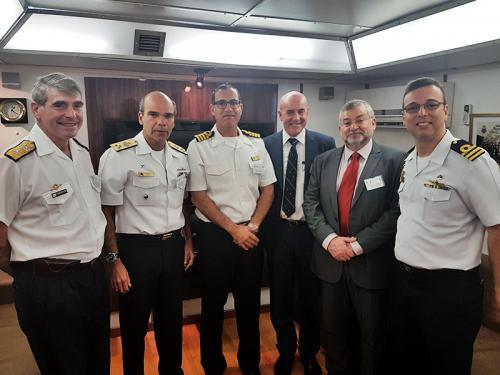 """Navio Hidrográfico """"Sirius"""" representa a Marinha do Brasil em fóruns no Uruguai"""