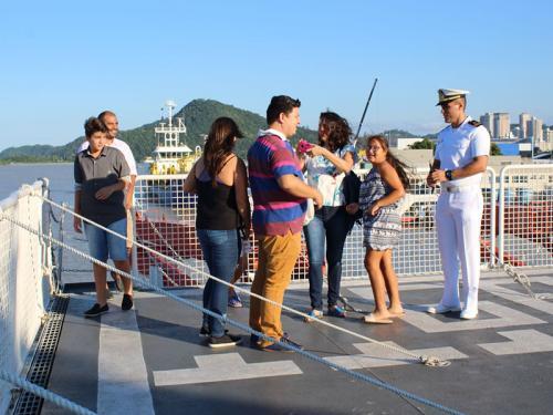"""Navio de Pesquisa Hidroceanográfico """"Vital de Oliveira"""" abre para visitação pública em Itajaí"""