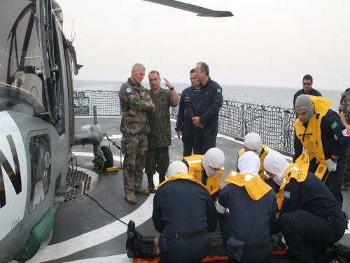 Chefe do Estado-Maior da UNIFIL embarca na Fragata Independência, Navio Capitânia da FTM-UNIFIL