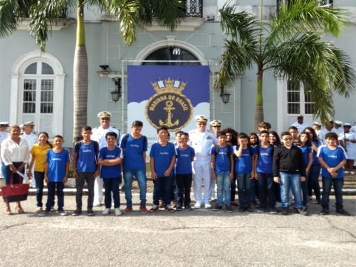 Com4ºDN realiza cerimonial à Bandeira com comunidade escolar em homenagem ao dia do Hino Nacional