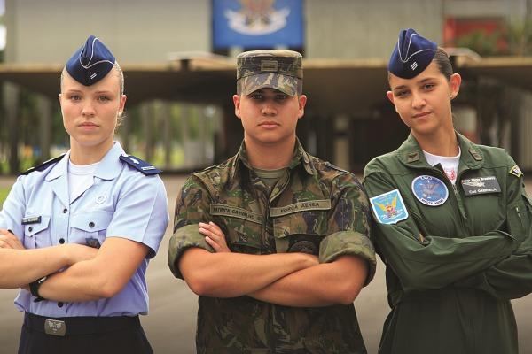Jornal destaca histórias de superação de Cadetes da Academia da Força Aérea