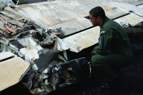 Trabalho conjunto pela prevenção de acidentes aeronáuticos