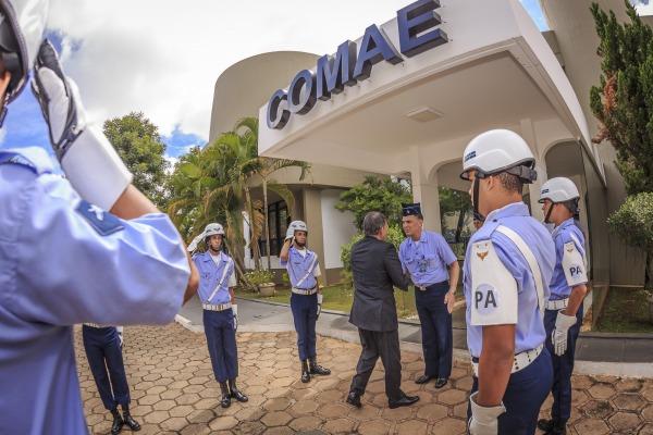 Ministro da Defesa visita, pela primeira vez, Comando de Operações Aeroespaciais