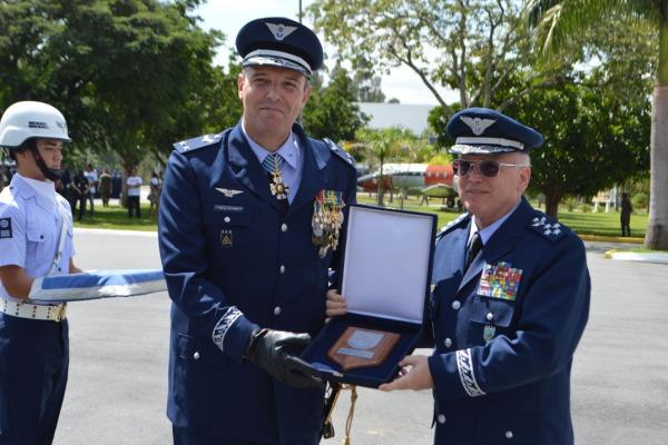 Novo comandante assume Escola de Especialistas de Aeronáutica