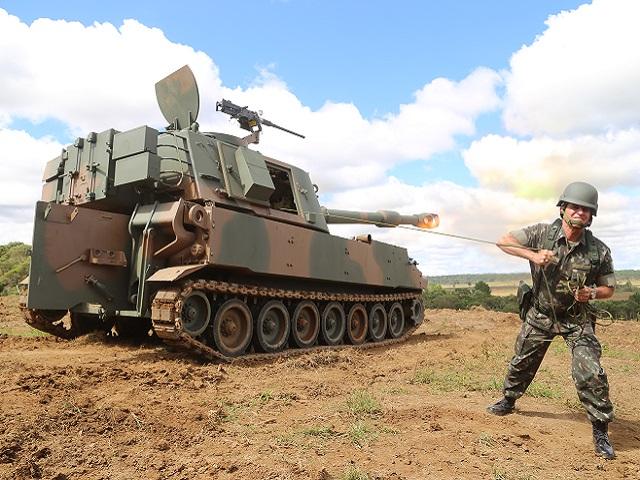 BATISMO DE FOGO DAS VIATURAS M109 A5 MARCA IMPORTANTE ETAPA NA MODERNIZAÇÃO DA ARTILHARIA DE CAMPANHA
