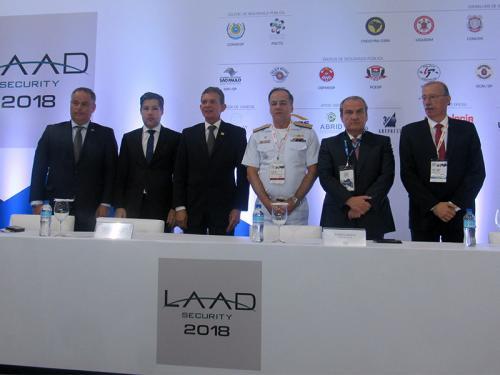 """Marinha do Brasil participa da abertura da """"LAAD Security 2018"""" em São Paulo"""