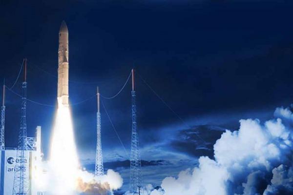 Nova edição da revista traz como destaque o andamento da área espacial na FAB