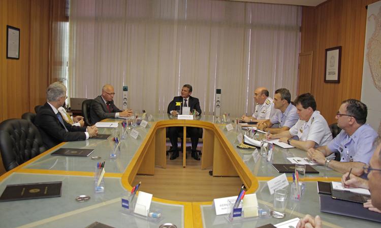 Ministro Silva e Luna e embaixador da Alemanha no Brasil discutem parcerias estratégicas